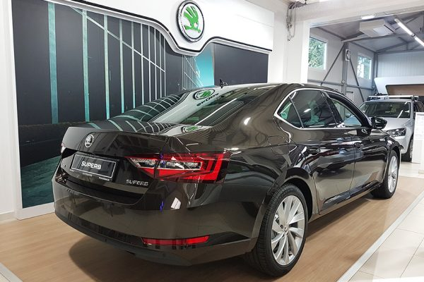 exterier3_Skoda_superb100_autobors