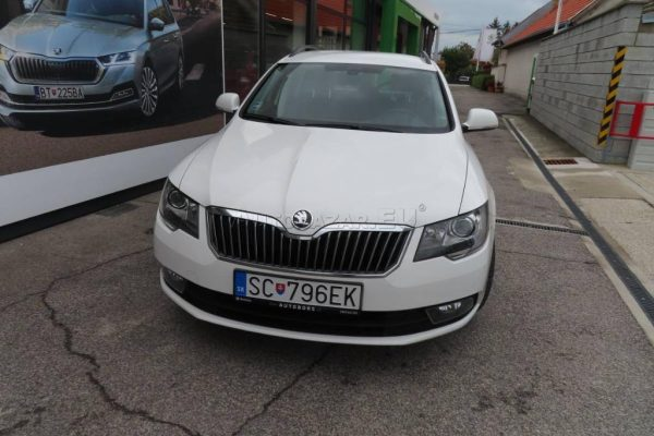 skoda-superb-combi-20-tdi-cr-103kw (6)
